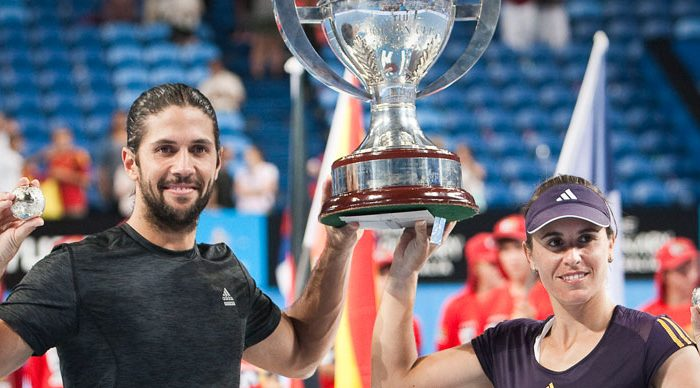 Team Spain: Fernando Verdasco (left) and Anabel Medina Garrigues, Hyundai Hopman Cup 2013 champions. RAW IMAGE