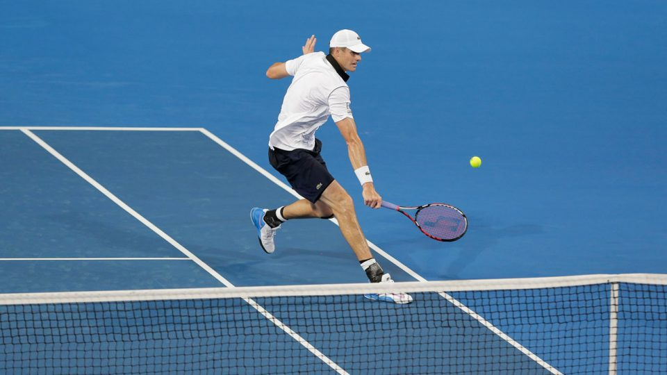 John Isner defeats Fabio Fognini to win his opening rubber at the Hopman Cup; Annaleise Frank